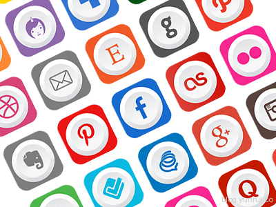 Free Rounded Flat Social Media Icons by Ferman Aziz in 47 Fresh and Flat Icon Sets for April 2014