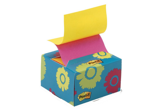 Post-it Pop-up Notes with Daisy Design Desk